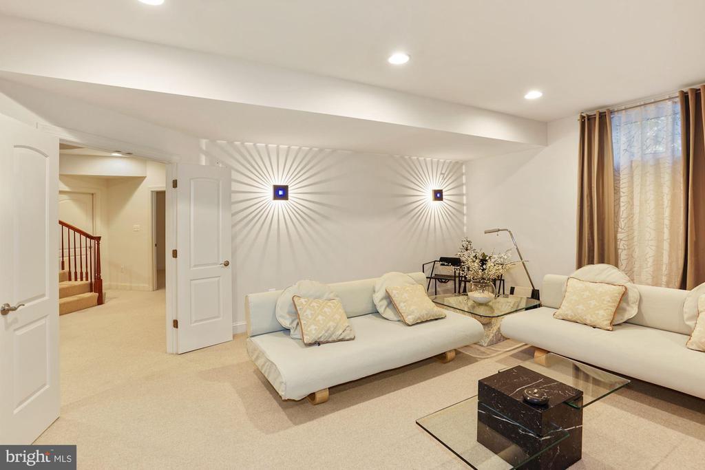 Berber carpeting & Wired Surround Sound System - 2976 TROUSSEAU LN, OAKTON