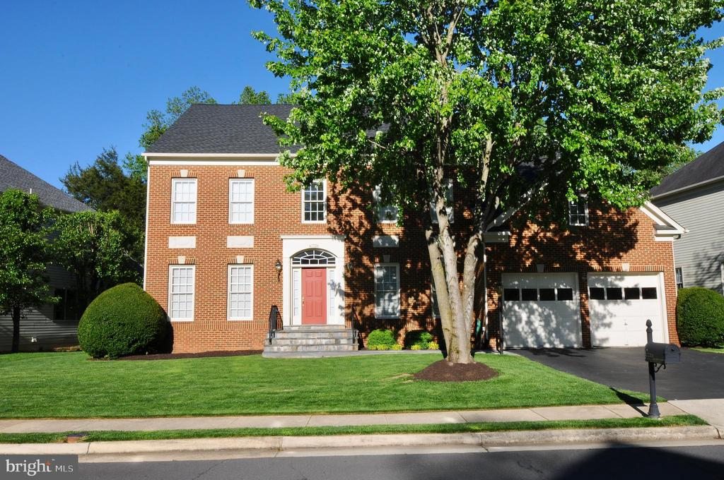 WELCOME HOME! - 47320 MIDDLE BLUFF PL, STERLING
