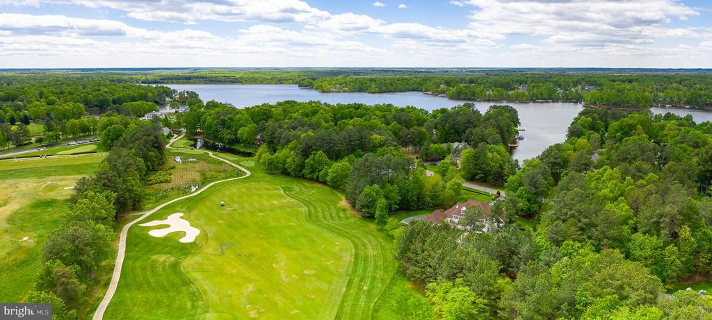 BETWEEN THE GOLF COURSE AND THE LAKE - 11010 SHERIDAN DR, SPOTSYLVANIA