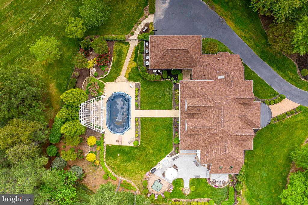 A VIEW OF THE GROUNDS - 11010 SHERIDAN DR, SPOTSYLVANIA