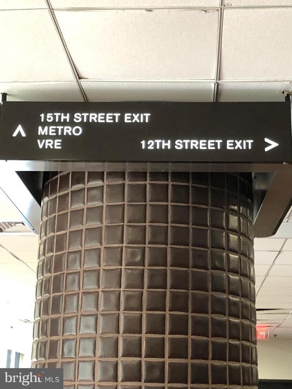 Metro Underground Entrance - 1300 CRYSTAL DR #PH14S, ARLINGTON