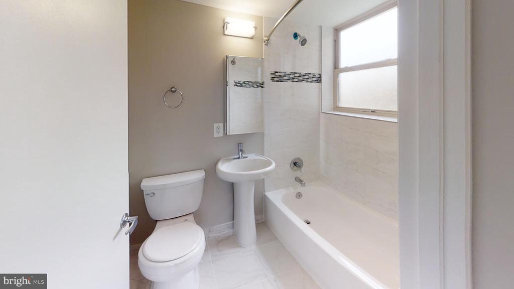 Bathroom 1, In Suite for Deluxe Bedroom - 2646 BIRNEY PLACE SE SE #201, WASHINGTON
