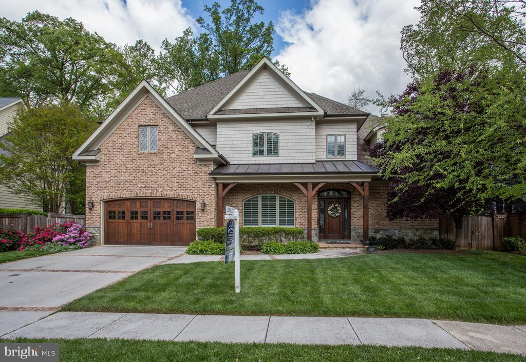 masterfully crafted by renowned builder Greg Pence - 6537 36TH ST N, ARLINGTON