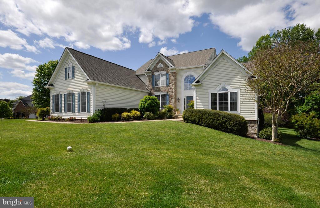 WELL APPOINTED HOME - 32315 DEEP MEADOW LN, LOCUST GROVE