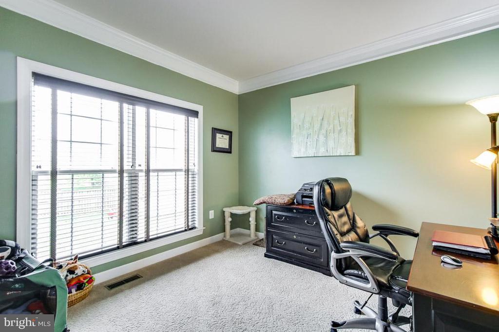 Home office area - 122 BEDROCK DR, WALKERSVILLE
