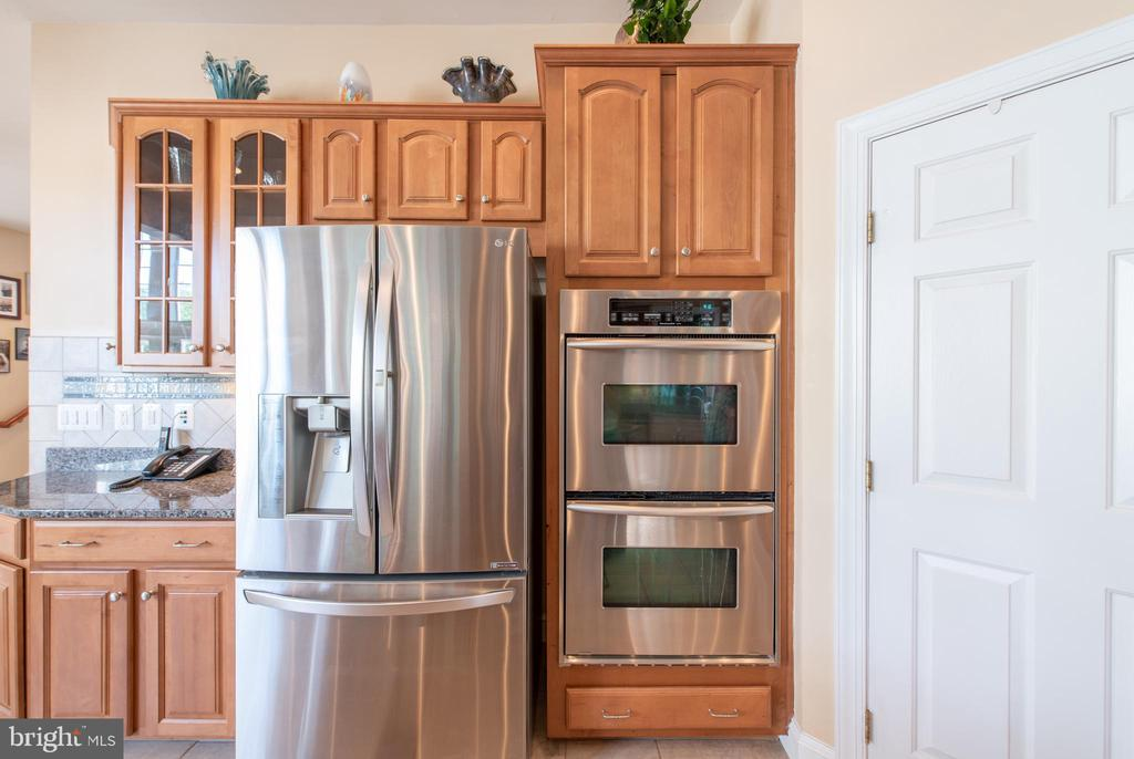 Double oven - 27531 PADDOCK TRAIL PL, CHANTILLY