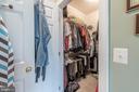 second walkin-closet in master bedroom - 27531 PADDOCK TRAIL PL, CHANTILLY