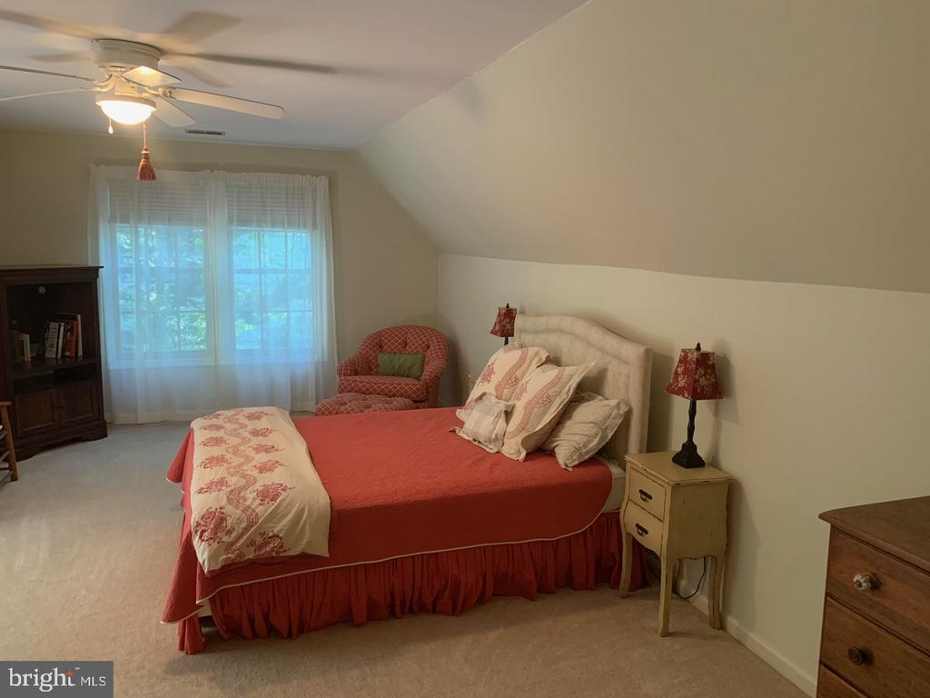 Upper Level Bedroom - 8307 KINGS RIDGE CT, SPRINGFIELD