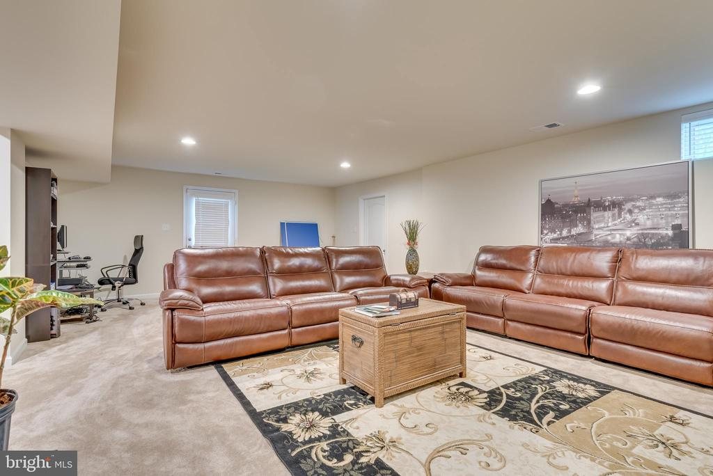 Features wonderful recessed lighting - 440 FLIGHT O ARROWS WAY, MARTINSBURG