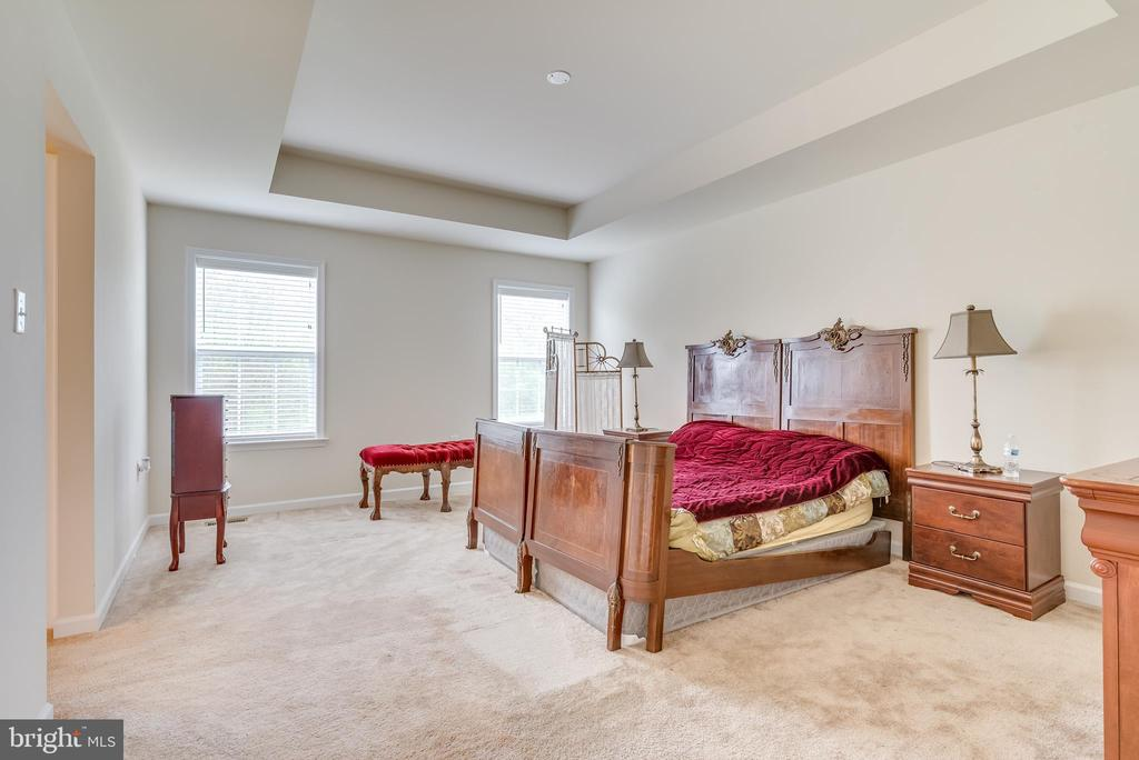 The spacious master features bright windows - 440 FLIGHT O ARROWS WAY, MARTINSBURG
