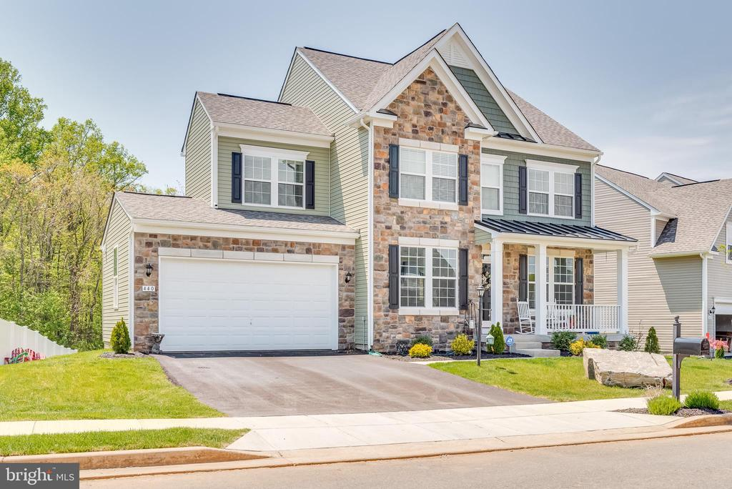 Do not wait on this 1 - call for a showing today! - 440 FLIGHT O ARROWS WAY, MARTINSBURG