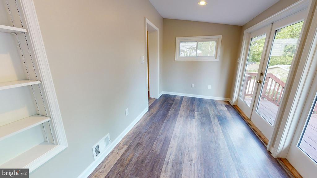 Would be a perfect study or play room for the kids - 36 S INGRAM ST, ALEXANDRIA