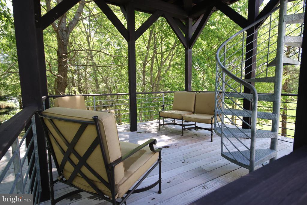 Relax on the second level of the tower - 15270 HATTON LANDING DR, NEWBURG