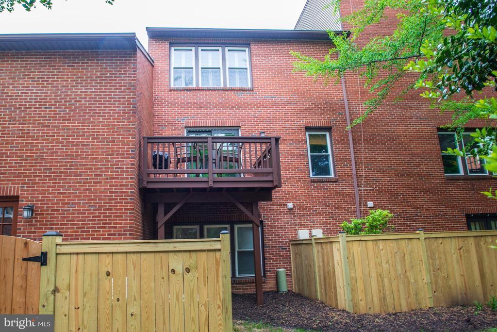 Exterior - No Neighbor on Either Side Has a Deck! - 1145 N UTAH ST #1145, ARLINGTON