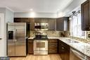 Kitchen - Hardwood Floors & Stainless Steel Apps - 1145 N UTAH ST #1145, ARLINGTON