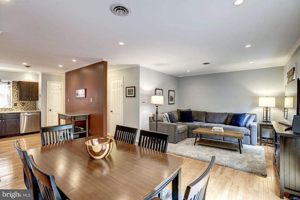 Open Concept Living at its Finest! - 1145 N UTAH ST #1145, ARLINGTON