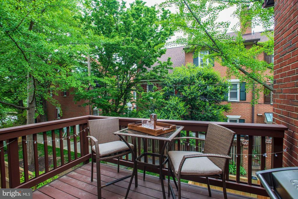 NEW Exterior Deck - Surrounded by Trees - Peaceful - 1145 N UTAH ST #1145, ARLINGTON