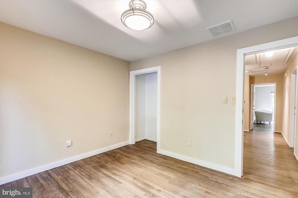 Upper Level 2nd Bedroom - 6604 PERSIMMON TREE RD, BETHESDA