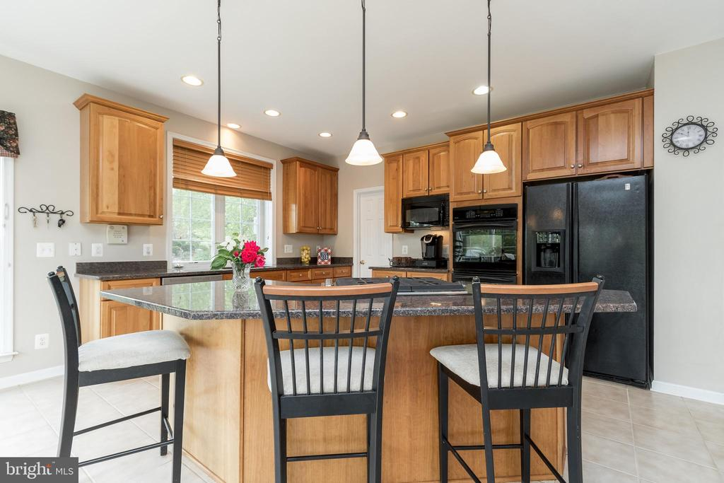 Kitchen Island - 43777 PARAMOUNT PL, CHANTILLY