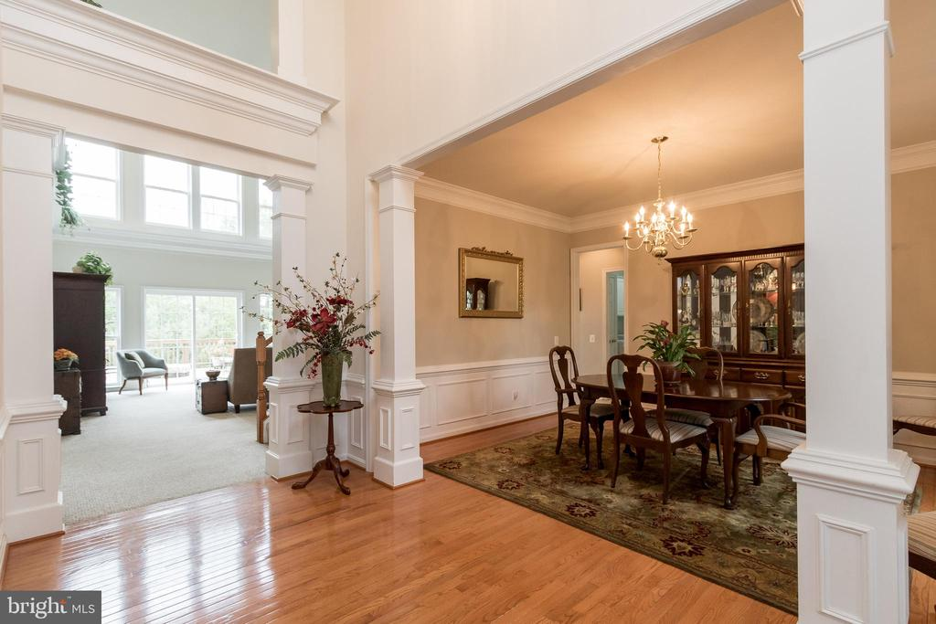 Two Story Entry Foyer - 43777 PARAMOUNT PL, CHANTILLY