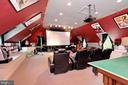 Huge Movie room obove the garage - 9600 TERRI DR, LA PLATA