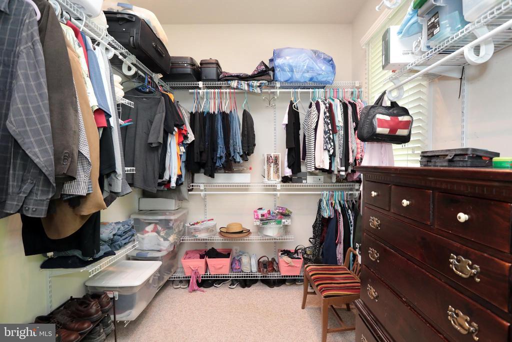 Huge Master walk-in closet - 9600 TERRI DR, LA PLATA