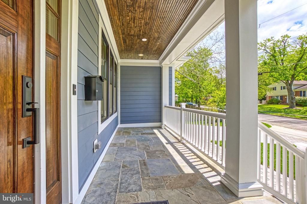 Flagstone porch - same model, different location - 6716 31ST ST N, ARLINGTON