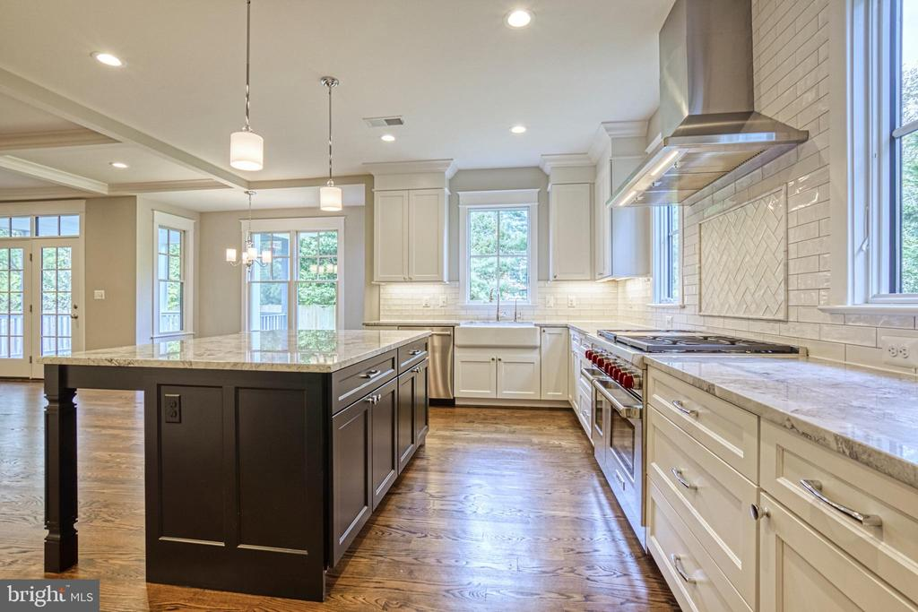 Gourmet kitchen- same model, different location - 6716 31ST ST N, ARLINGTON