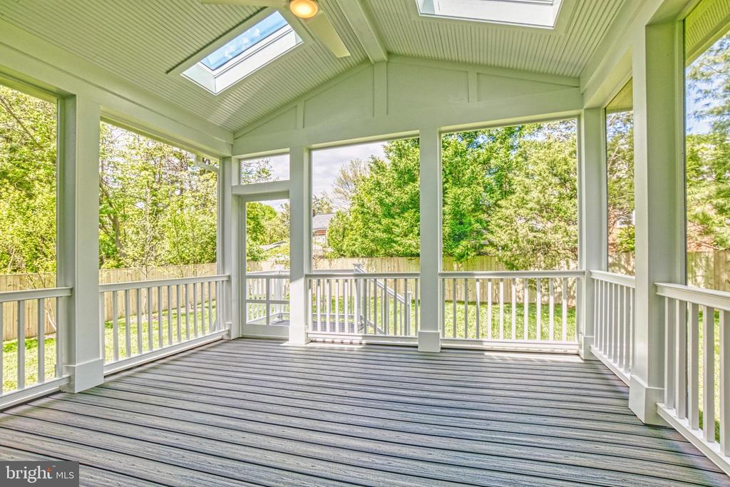 Screened porch - same model, different location - 6716 31ST ST N, ARLINGTON