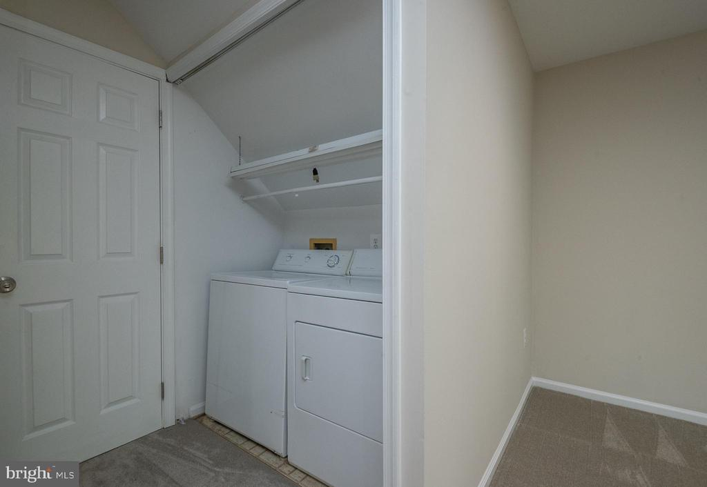 Laundry room area - 14090 RED RIVER DR, CENTREVILLE