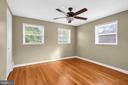 Master bedroom boasts hardwood floors - 36 S INGRAM ST, ALEXANDRIA