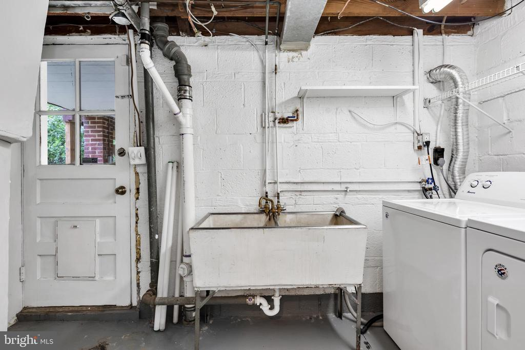 Newer washer & dryer - 36 S INGRAM ST, ALEXANDRIA
