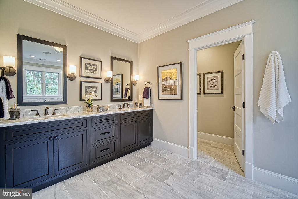 Master bathroom:  double vanity, heated floor - 3511 N POTOMAC ST, ARLINGTON