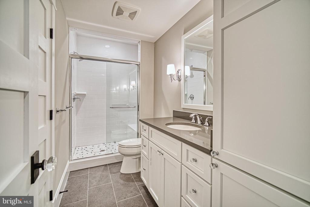 Basement bathroom - 3511 N POTOMAC ST, ARLINGTON