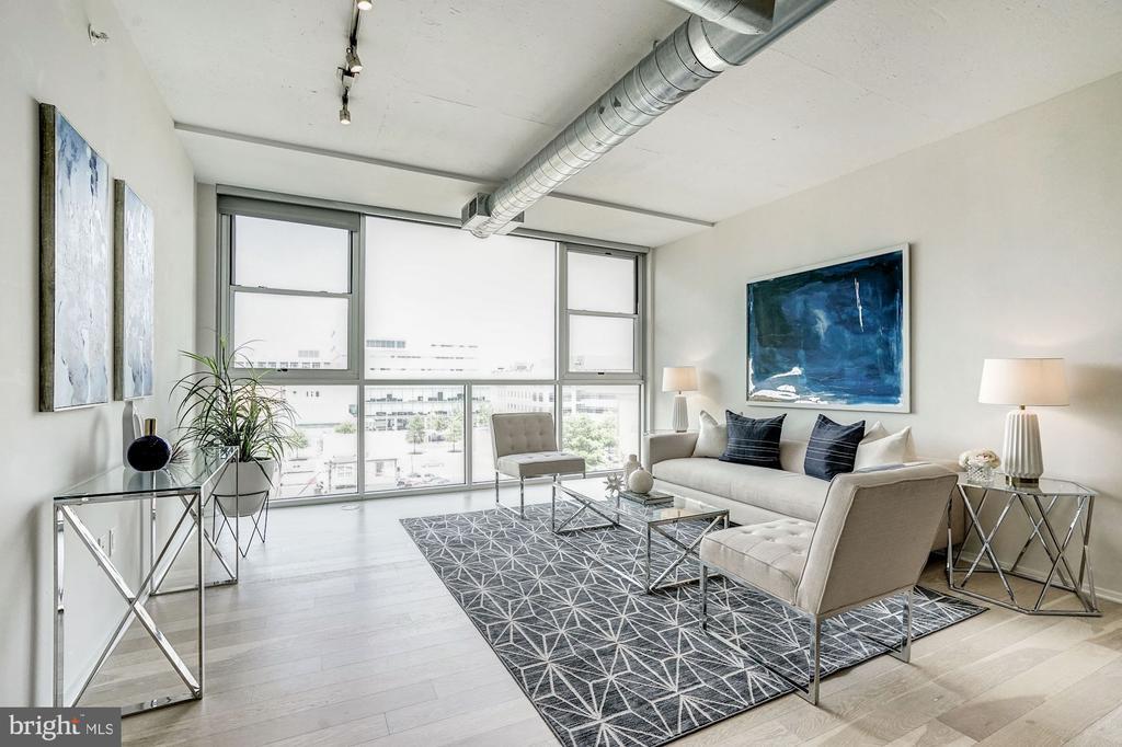 Living Room with Natural Light - 3409 WILSON BLVD #504, ARLINGTON