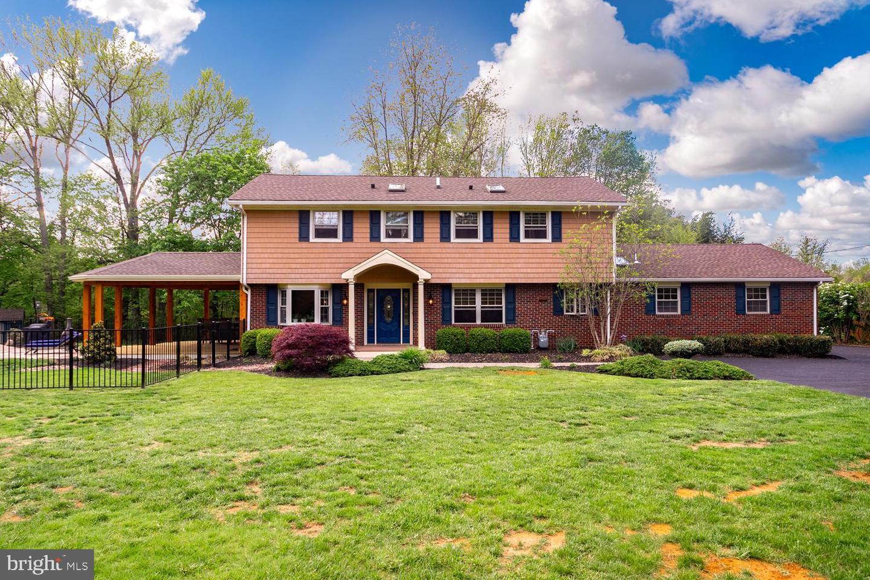 Single Family Homes 为 销售 在 Columbus, 新泽西州 08022 美国