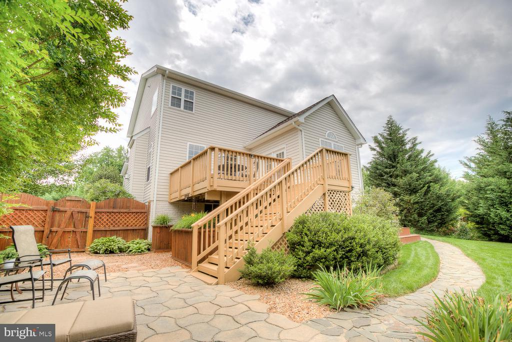Private and picturesque backyard. - 3 MOUNT ARARAT LN, STAFFORD