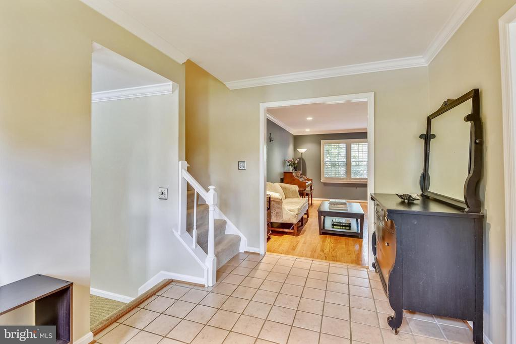 Spacious Foyer - 9706 FEROL DR, VIENNA