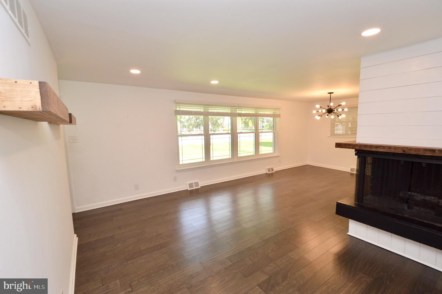 Additional photo for property listing at  Haddon Township, New Jersey 08033 Hoa Kỳ