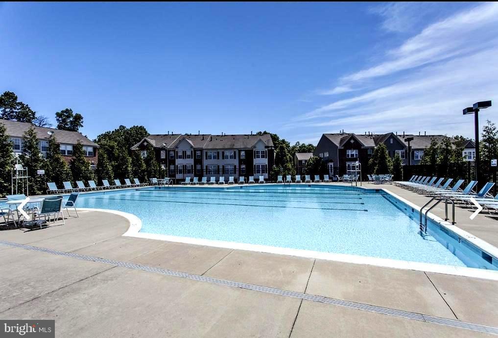 Community Pool - 7109 SILVERLEAF OAK RD #164, ELKRIDGE