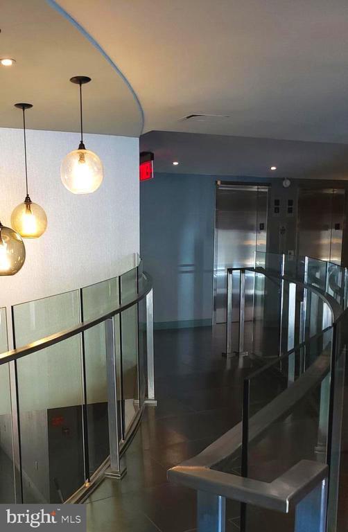 Secure Entrance with Front Desk Concierge - 1718 P ST NW #207, WASHINGTON