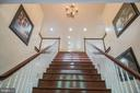 Beautiful Wide Harwood  Stairs - 152 OLD CROPPS MILL RD, FREDERICKSBURG