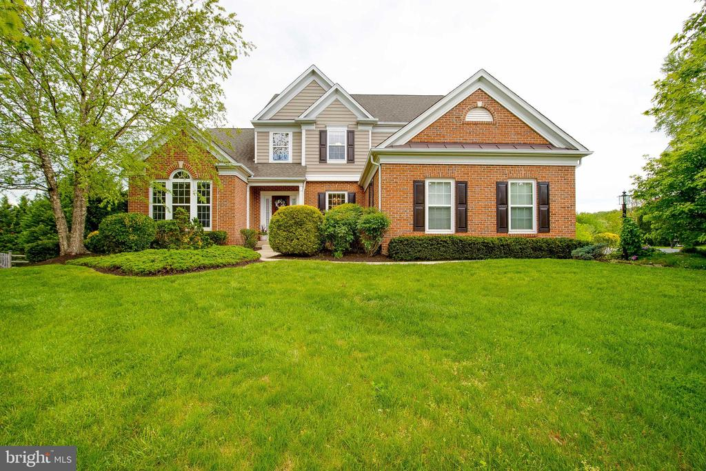 Beautiful Colonial on .55 Acre - 43777 PARAMOUNT PL, CHANTILLY