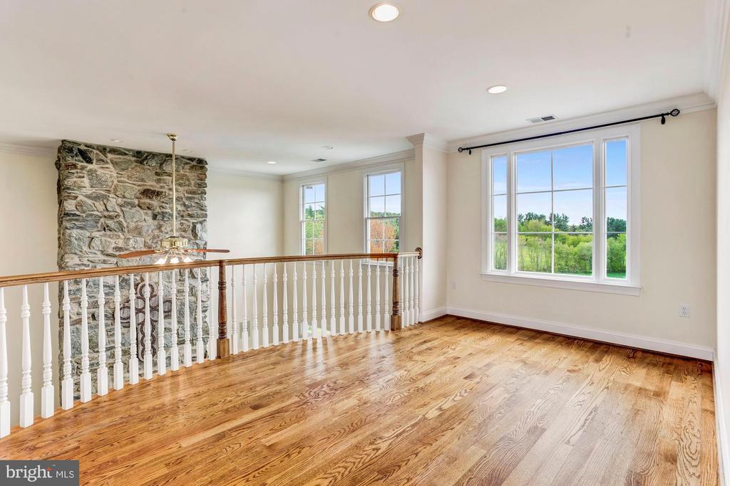 Upper Level Loft Sitting & Balcony - 6655 DETRICK RD, MOUNT AIRY