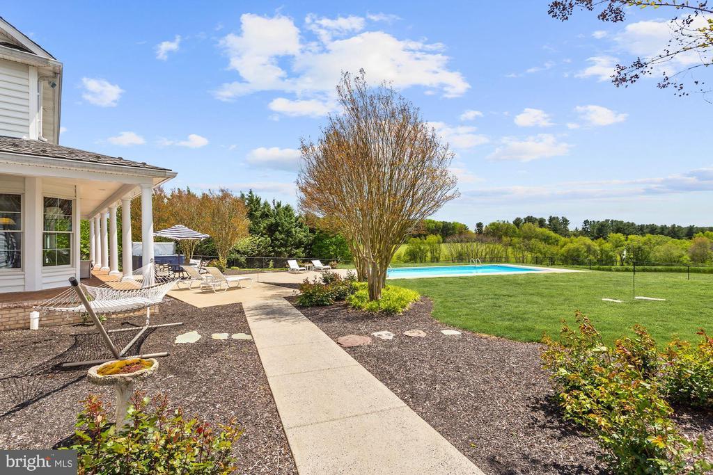Sidewalk and rose garden - 6655 DETRICK RD, MOUNT AIRY