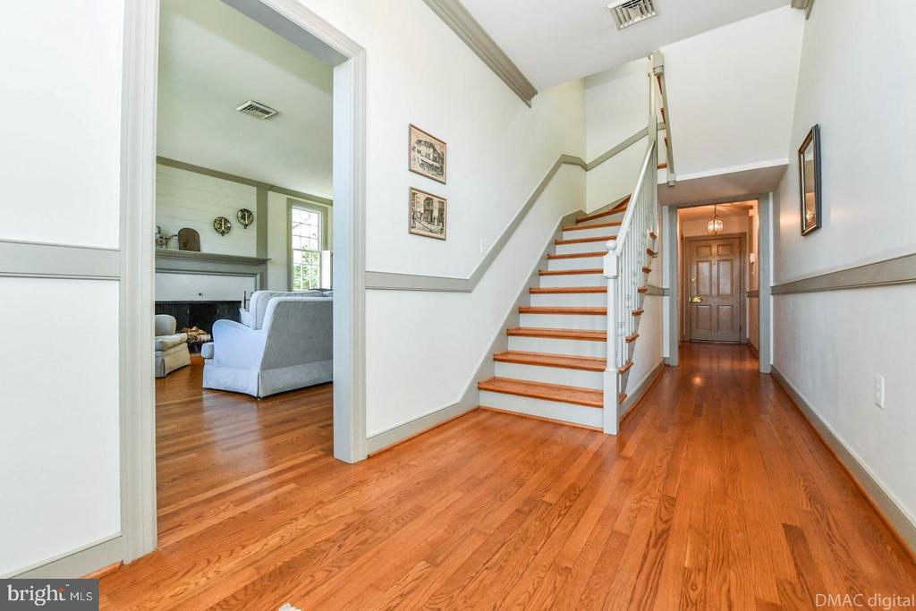 Entrance foyer ~ hardwood floors - 200 MAGNOLIA AVE, FREDERICK