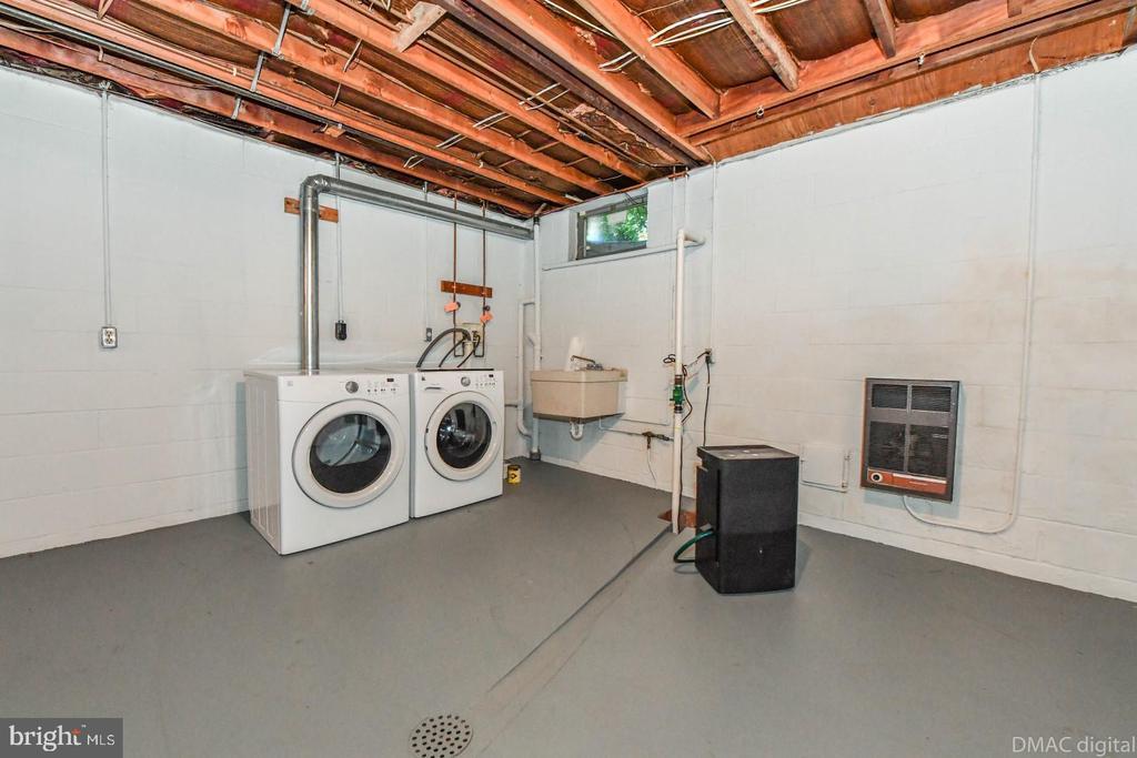 Basement laundry - 200 MAGNOLIA AVE, FREDERICK