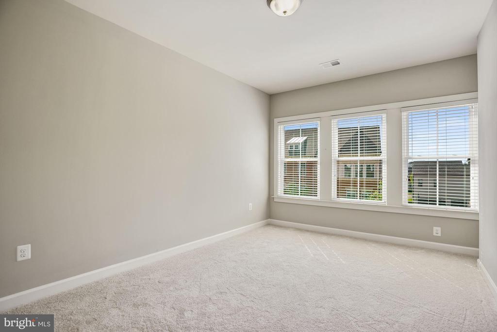 Large Secondary Bedroom - 20622 DUXBURY TER, ASHBURN