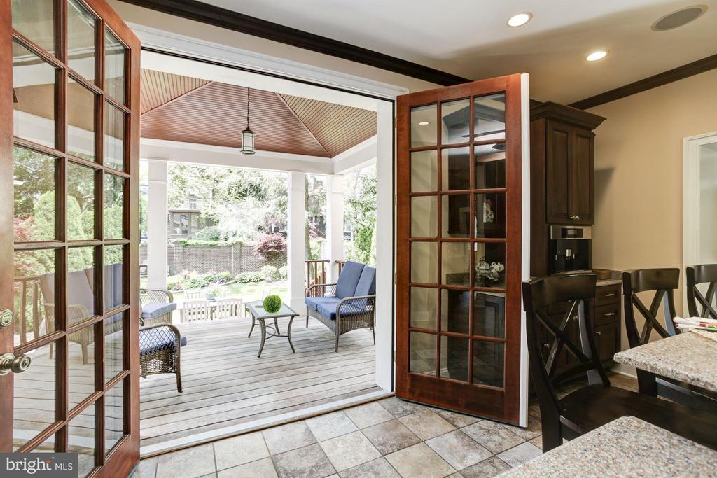 Open to porch & stunning garden - 2 CUMBERLAND CT, ANNAPOLIS