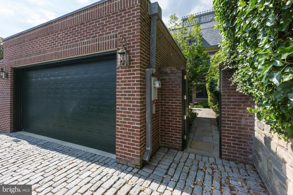 Two-Car Garage - 2735 CATHEDRAL AVE NW, WASHINGTON